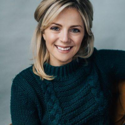 Headshot- Leanne Davis1